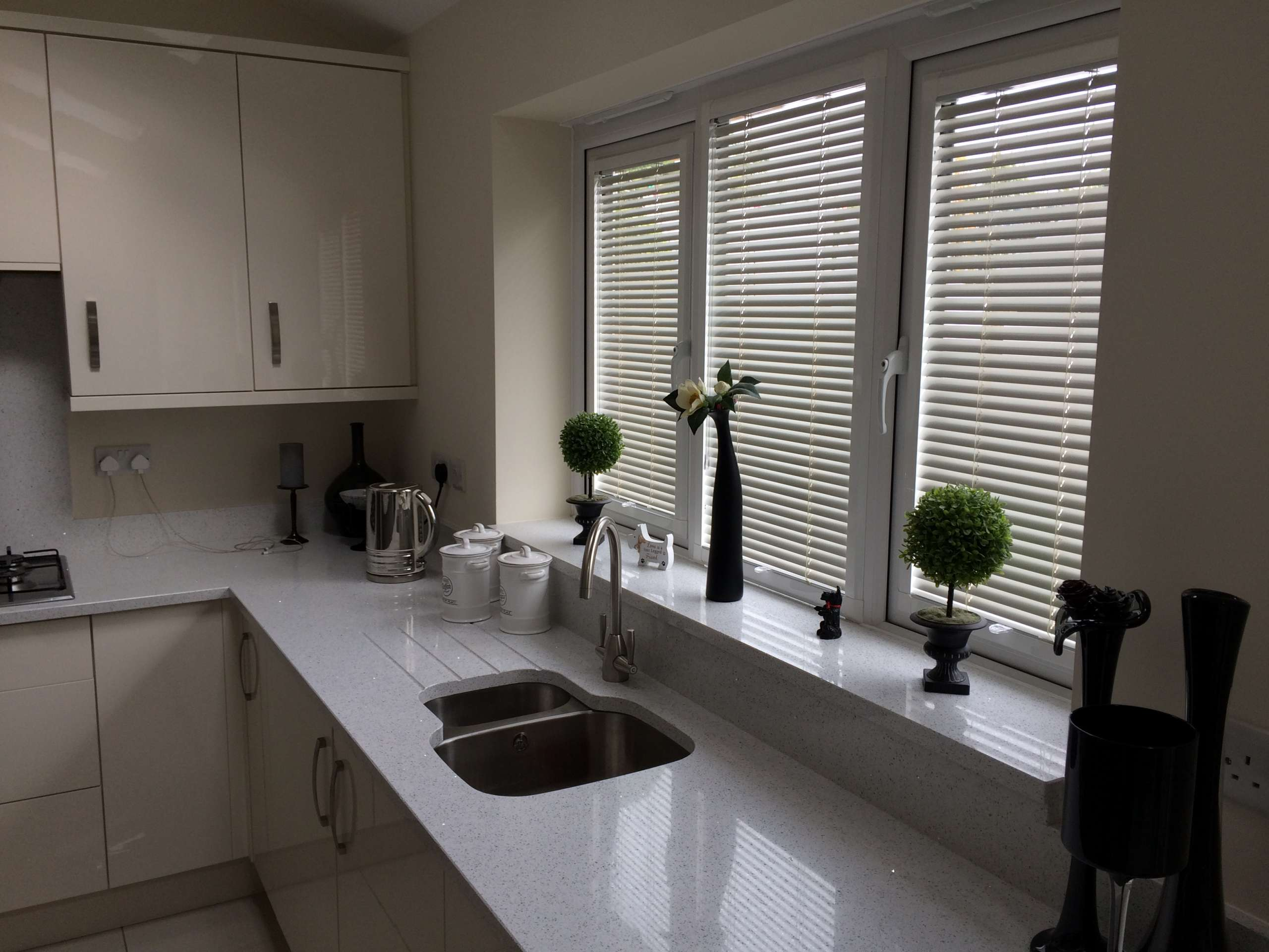 fitted kitchen blinds