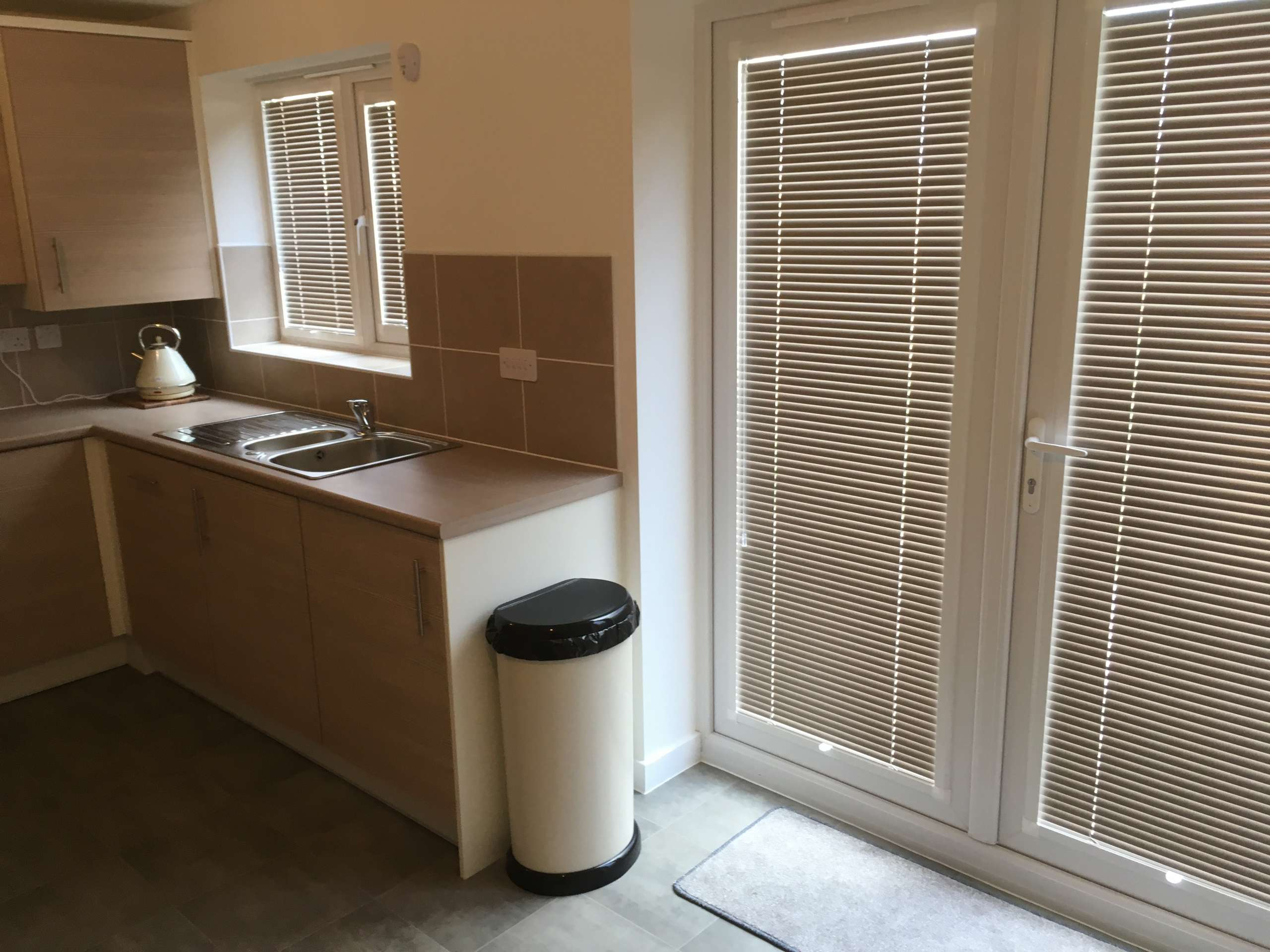 kitchen blinds fitted